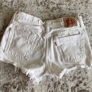 Levi 501 white shorts